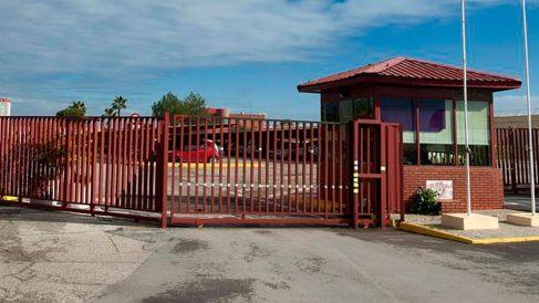 Puerta exterior de la cárcel Sevilla I. Foto: Agencias