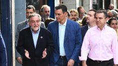 Sánchez junto al delegado del Gobierno en Madrid, José Manuel Franco, y el portavoz del PSOE en el ayuntamiento Pepu Hernández