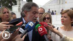 Pepu Hernández este jueves en Usera con Pedro Sánchez y José Manuel Franco.