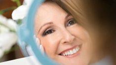 Guía de pasos para maquillarse correctamente a partir de los 50 años