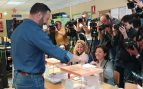 Elecciones 2019: Santiago Abascal vota en el colegio electoral de Pinar del Rey