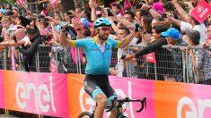 Cataldo celebra su victoria. (Giro de Italia)