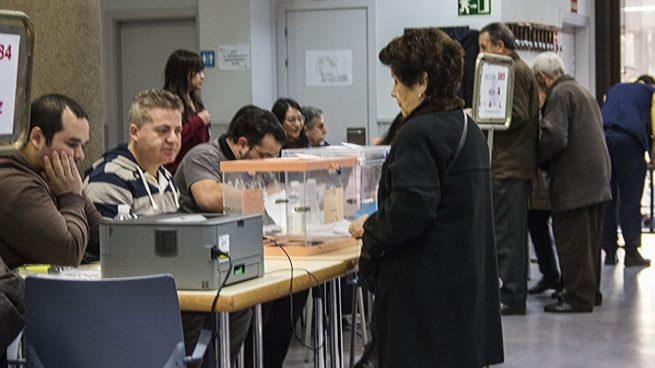 Detenida una mujer en Melilla con «gran cantidad de votos y un censo electoral»