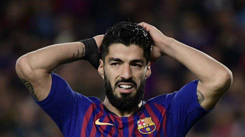 Luis Suárez se lamenta tras fallar una ocasión. (AFP)