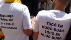 Camisetas de «tocó en Hugo Duro» durante la celebración del Valencia (Captura de pantalla)