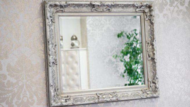 decorar un espejo viejo con distintas ideas