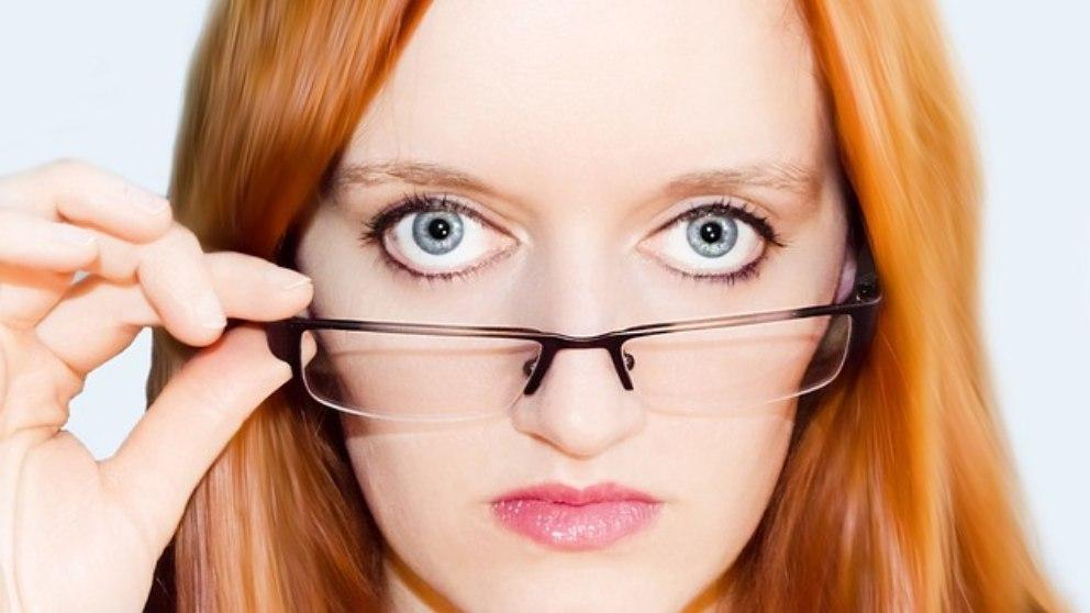 gafasSi necesitas gafas, bien para ver de cerca o de lejos, es importante que las cuides y las mantengas para que no se estropeen.