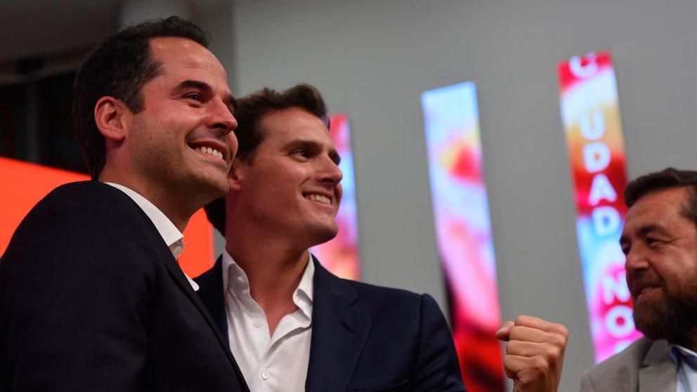 Ignacio Aguado y Albert Rivera, de Ciudadanos, celebrando los resultados de las elecciones autonómicas y municipales 2019. Foto: EP