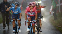 Carapaz, liderando el grupo de favoritos junto a Landa y Nibali. (AFP)
