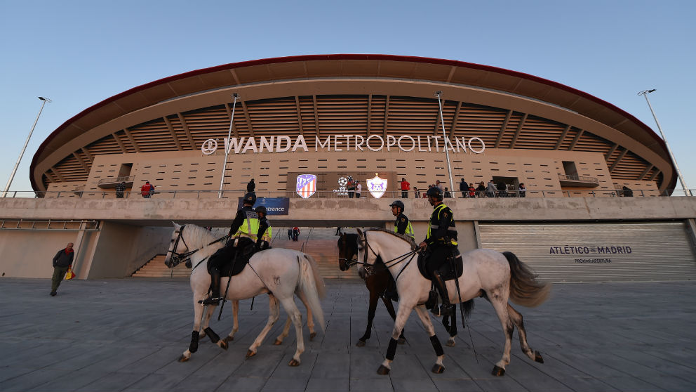 Policía Municipal a caballo en el Metropolitano. (Getty)