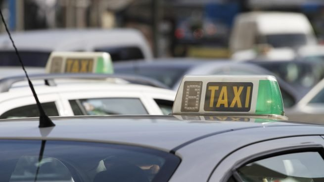 El taxi se hunde: pierde hasta un 90% de facturación en las zonas turísticas
