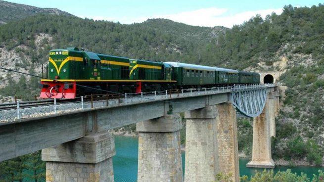ALSA se hace con su segundo tren turístico en su apuesta por convertirse en operador ferroviario