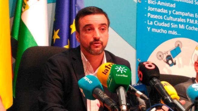 El número 2 del PSOE de Jerez pidió el voto durante la jornada de reflexión en las redes