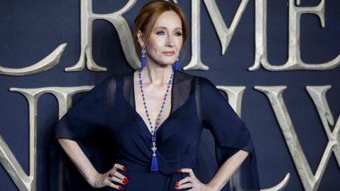 La escritora de Harry Potter, J. K. Rowling, durante la premiere de 'Animales fantásticos y dónde encontrarlos. Los crímenes de Grindelwal', basada en el universo creado por la británica. Foto: AFP
