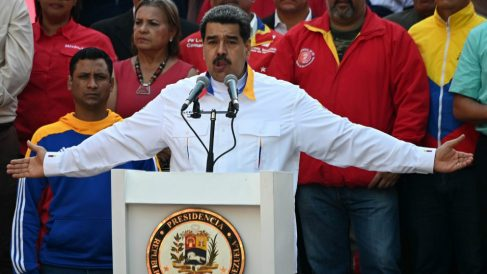 El dictador venezolano, Nicolás Maduro, en un acto del régimen hablando al pueblo venezolano. Foto: AFP