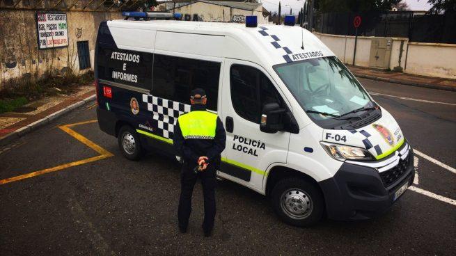 Detenido en Málaga por amenazar a sus vecinos y a la policía, después de ser denunciado por tener la música muy alta