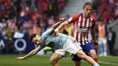 Filipe Luis en un partido con el Celta (AFP)