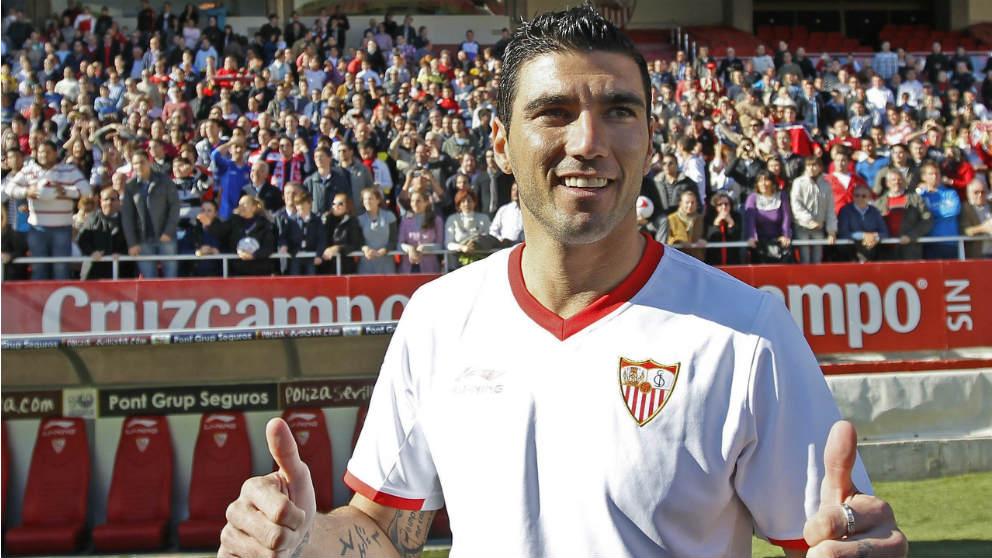 José Antonio Reyes, en su vuelta al Pizjuán al regresar como jugador del Sevilla. (EFE)