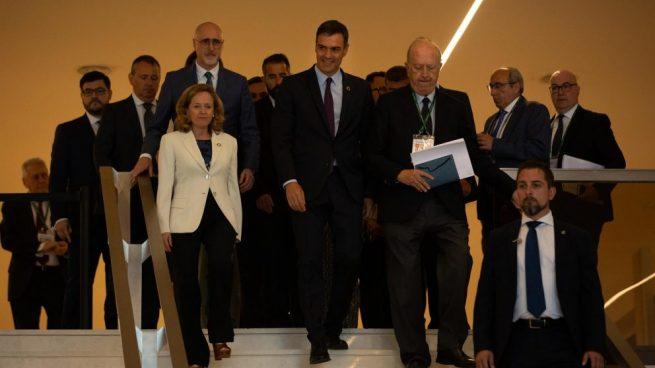 Las 10 cifras que demuestran que Sánchez oculta la desaceleración en su discurso económico
