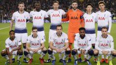 Los jugadores del Tottenham antes de un partido de Champions. (AFP)