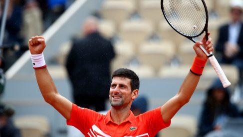 Djokovic celebra su victoria en Roland Garros. (Getty)