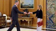 Felipe VI recibe, esta tarde, a la presidenta del Congreso, Meritxell Batet, como paso previo para iniciar la ronda de consultas (EFE)