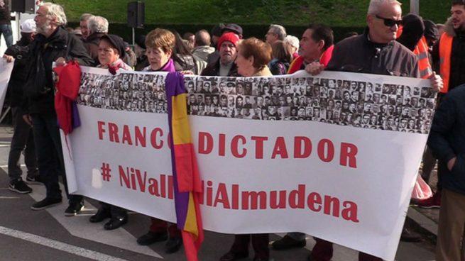 La plataforma 'Ni Valle ni Almudena' convoca una concentración frente al Supremo para exigir ya la exhumación