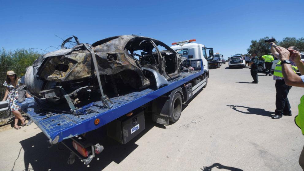 El coche de José Antonio Reyes acabó calcinado. (EFE)