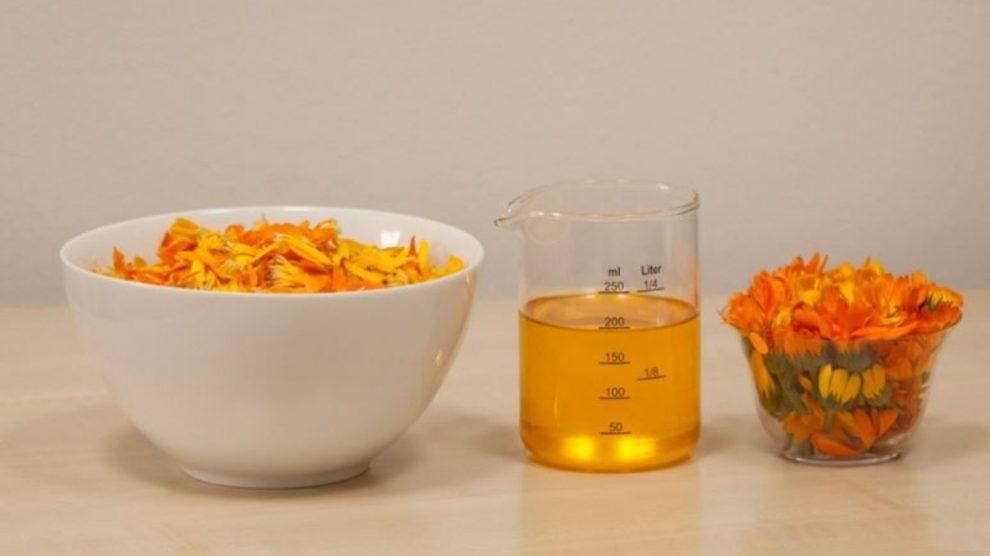 Los usos de los principios esenciales de la cosmética están basadas en aceites que aportan muchas propiedades.