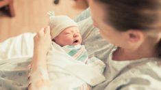 Guía para saber vestir a un recién nacido para llevarlo del hospital a casa