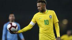 Neymar, durante un partido con Brasil. (AFP)