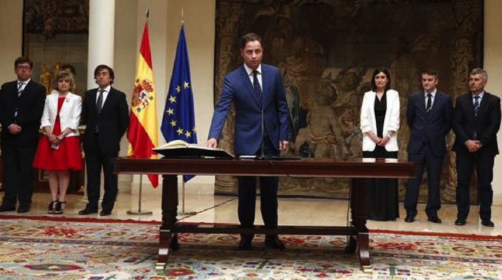 Borja Cabezón cuando juró su cargo en La Moncloa.