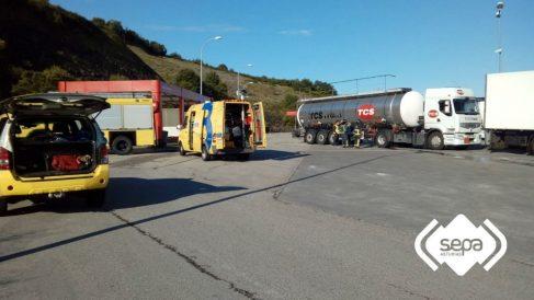 Camión cisterna que ha acusado la fuga