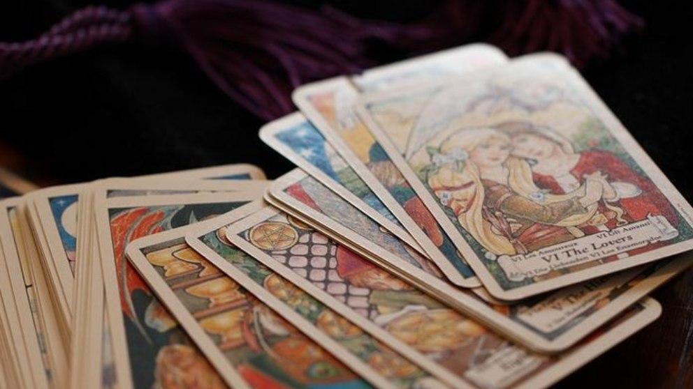 Las cartas del tarot ofrecen diversos símbolos y cada una tiene su significado.