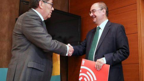 Lambán y Aliaga sellan el pacto de Gobierno en Aragón (Foto: EFE)