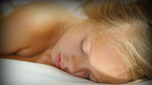Los investigadores de la universidad Emory, en Estados Unidos, concluyen que los niños crecen en relación al aumento de las horas que duerme el niño.