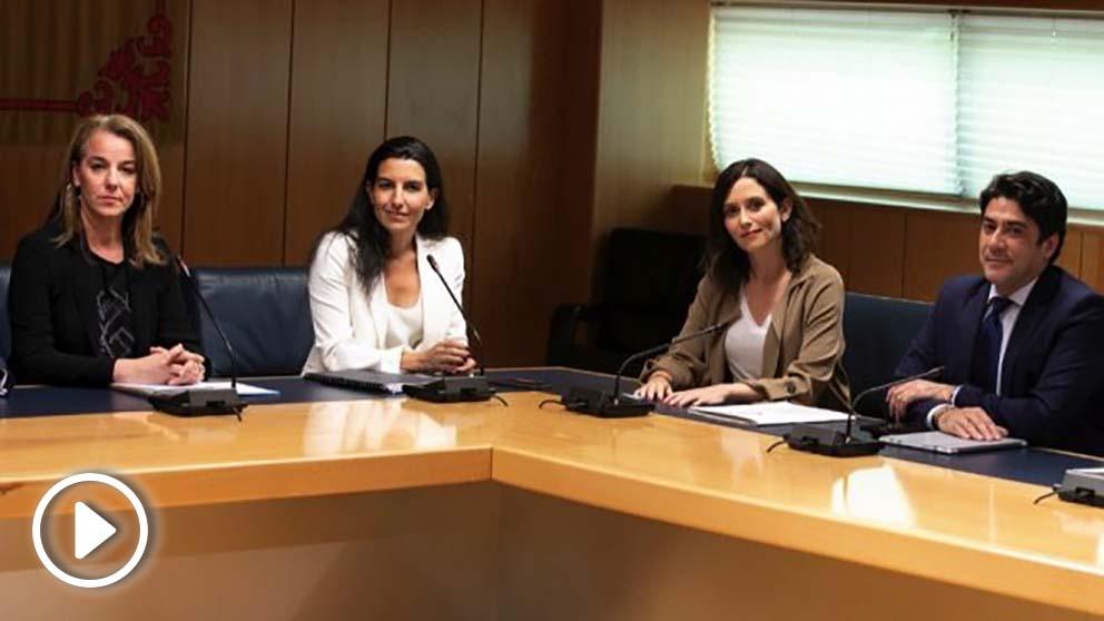 Reunión entre Rocio Monasterio e Isabel Díaz Ayuso. (Foto. PP)