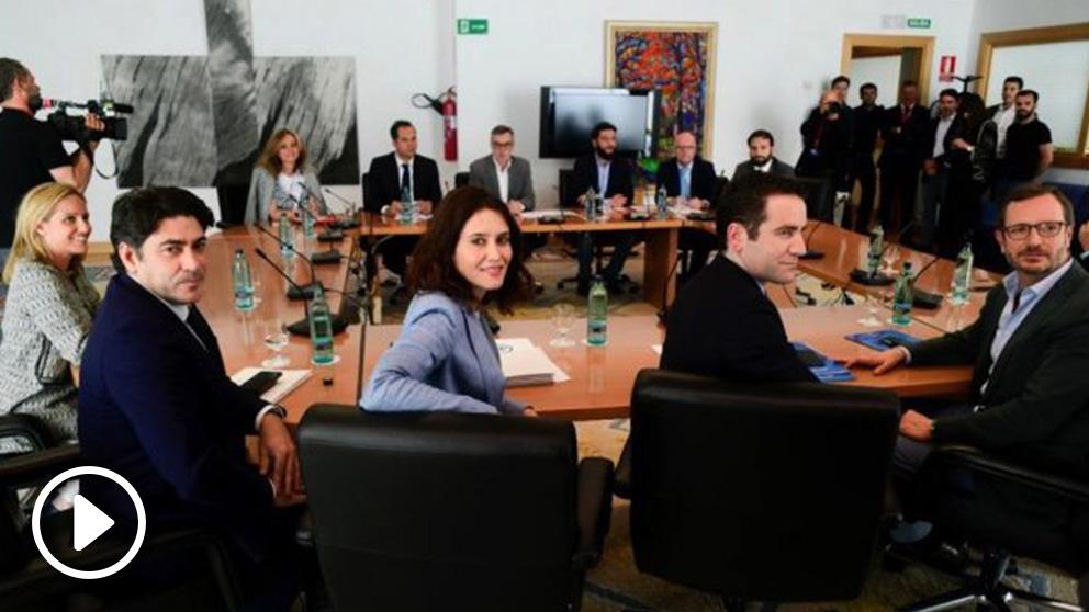 Reunión entre PP y Ciudadanos en la Asamblea de Madrid. (Foto. PP)