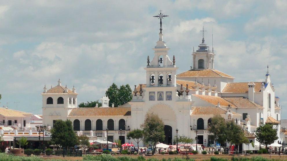 La Virgen del Rocío se queda en Almonte hasta el año que viene