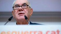 El alcaldable de ERC por Barcelona, Ernest Maragall, durante la rueda de prensa celebrada este miércoles en la que ha anunciado que abre un «paréntesis» en la negociación con el equipo de Ada Colau. Foto: EFE