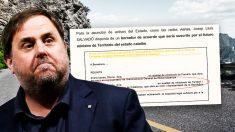 El ex vicepresidente de la Generalitat Oriol Junqueras, junto al borrador de uno de los decretos elaborados por su departamento.
