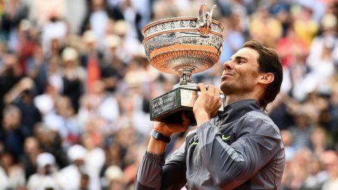 Nadal levanta su duodécimo título en Roland Garros. (AFP)