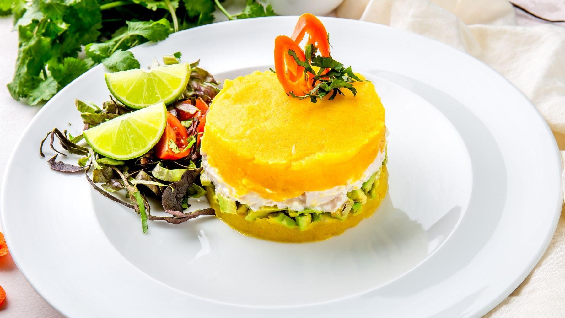 Receta de causa limeña peruana con pollo