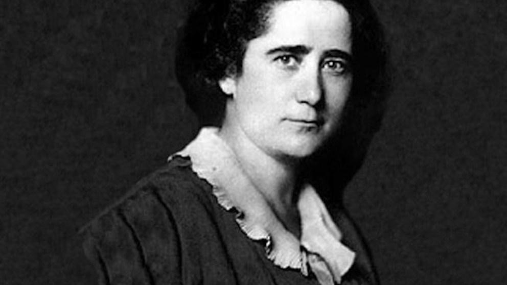 Una vez proclamada la Segunda República, Clara Campoamor asumió el papel de diputada de Madrid en las elecciones de 1931.