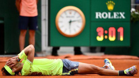 Rafa Nadal celebra la consecución de su duodécimo Roland Garros. (AFP)