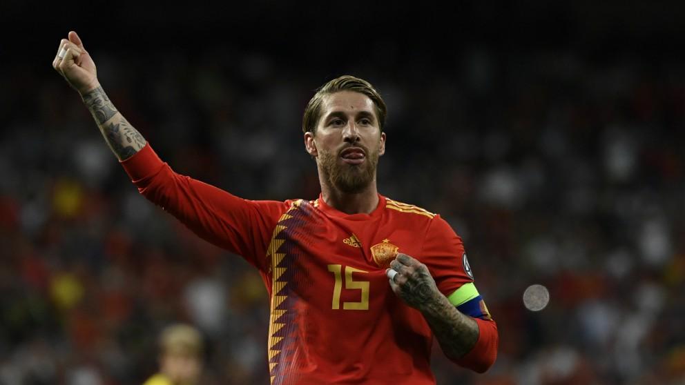 Sergio Ramos durante un partido con España. (AFP)