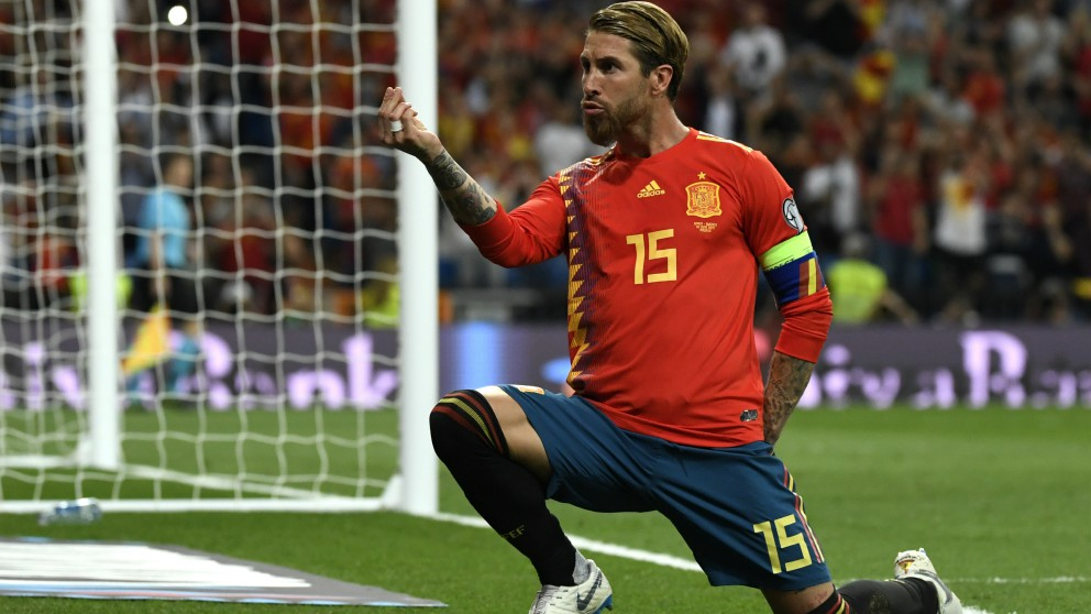 Sergio Ramos le dedicó el gol a Pilar Rubio. (AFP)