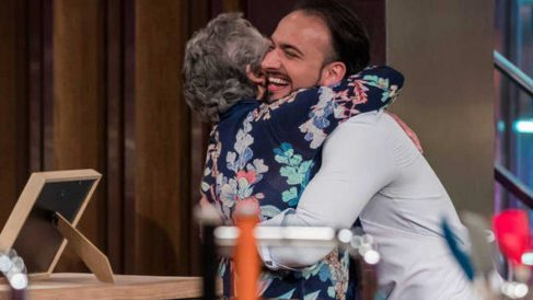 Valentín será ayudado por su madre en 'MasterChef'