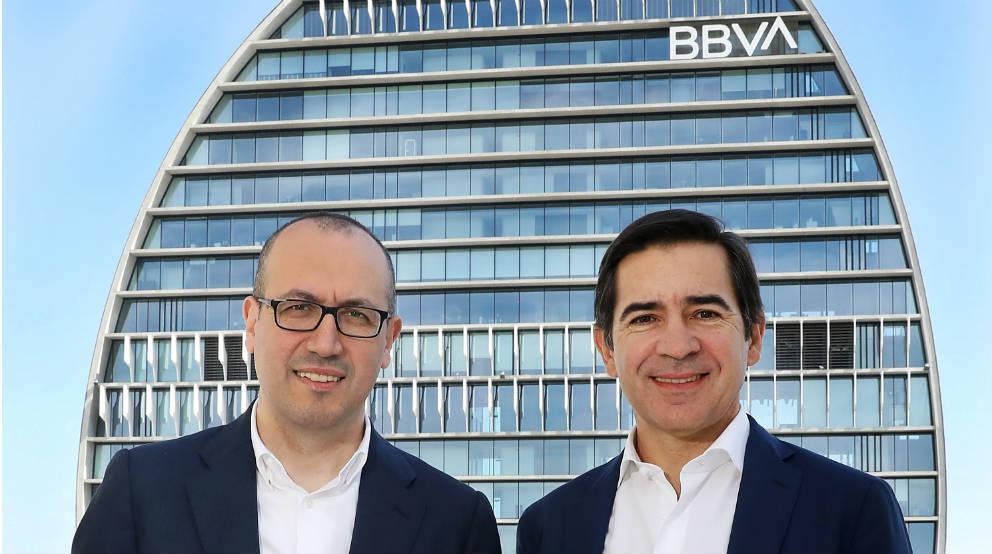 Onur Genç y Carlos Torres, CEO y presidente, respectivamente, de BBVA.