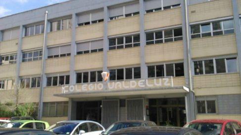 Fachada del colegio Valdeluz